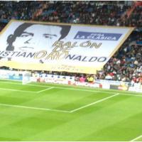 Cristiano Ronaldo ému de l'hommage des supporters du Real