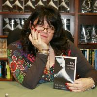 """Fifty Shades of Grey : l'auteure du livre """"terrifiée"""" par l'adaptation ciné"""