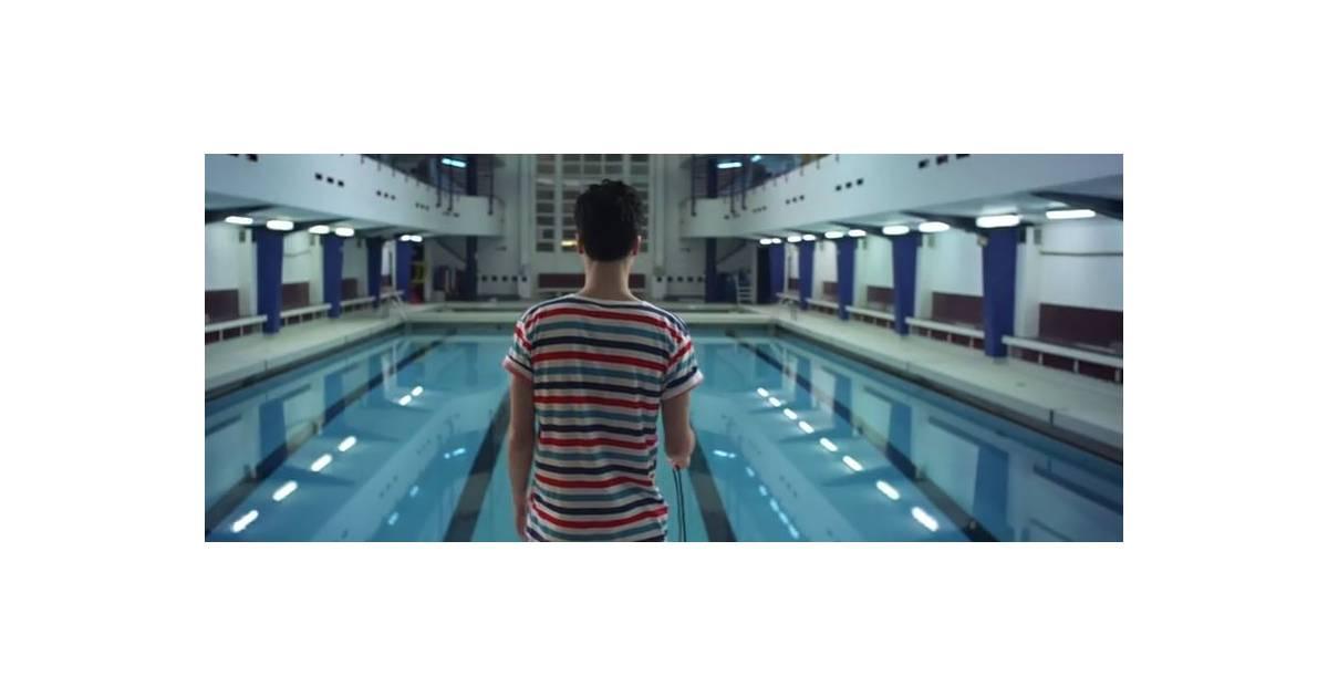 Bb brunes bye bye le clip qui sent la piscine for Algues brunes piscine