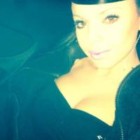 Niia Hall : battle de boobs avec Nabilla Benattia sur Facebook ?