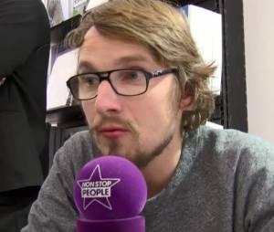 """Lorant Deutsch en séance de dédicace pour son livre polémique """"Hexagone"""""""