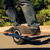 Oubliez l'Hoverboard de Retour vers le Futur, voici le OneWheel