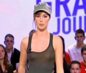 Louise Bourgoin fait sa révolution en Miss Météo au Grand Journal