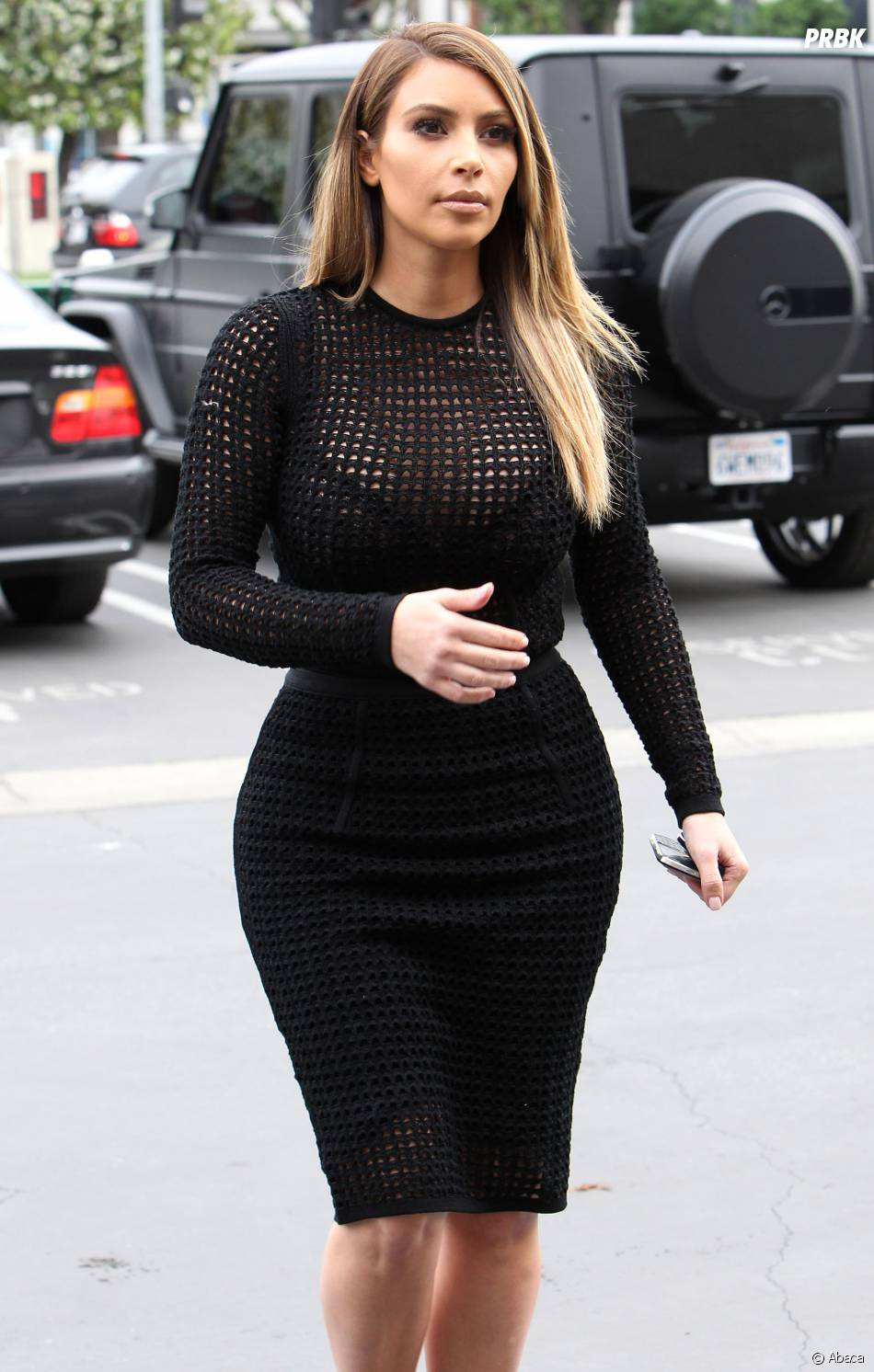kim kardashian d voile une nouvelle tenue transparente los angeles le 24 janvier 2014 purebreak. Black Bedroom Furniture Sets. Home Design Ideas
