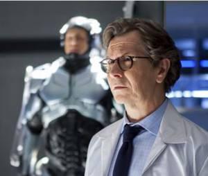 Gary Oldman et Joel Kinnaman, le créateur et sa machine dans RoboCop de José Padilha