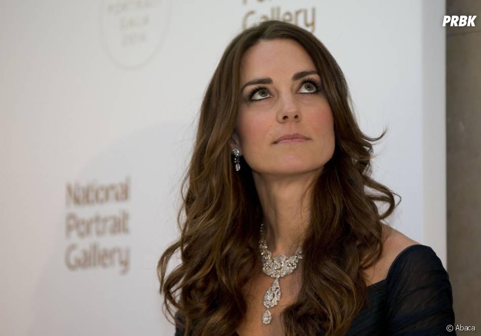 Kate Middleton : la tête dans les nuages à une soirée à la National Gallery de Londres le 11 février 2014