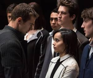 Divergente : Theo Jales face à Zoe Kravitz sur une photo