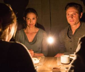 Divergente : Tony Goldwyn et Ashley Judd sur une photo