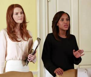 Scandal saison 3, épisode 16 : Darby Stanchfield et Kerry Washington sur une photo