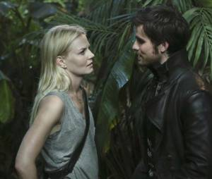 Once Upon a Time saison 3 : rapprochement à venir entre Emma et Hook après la mort de Neal ?