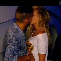 "Les Marseillais à Rio : Paga embrasse Adixia, Charlotte ""malade"" sur Twitter"