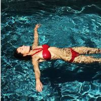 Laury Thilleman exhibe son corps de rêve en bikini sur Instagram
