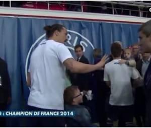Zlatan Ibrahimovic s'énerve contre Olivier Tallaron, le 7 mai 2014 au Parc des Princes