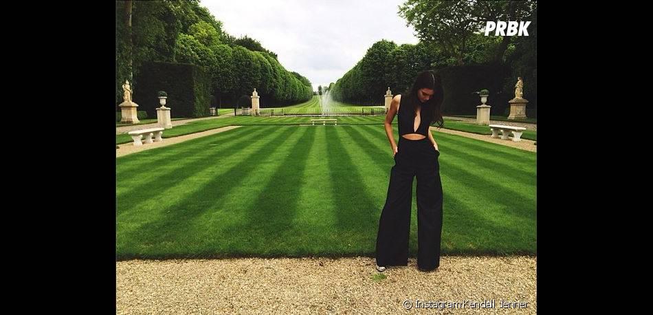 Kendall Jenner simple mais sexy avant le mariage de Kim Kardashian