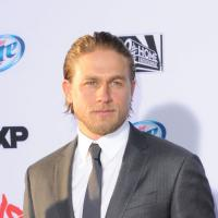 "Fifty Shades of Grey : le départ de Charlie Hunnam ? ""Un déchirement"""