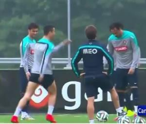 Cristiano Ronaldo danse la Samba pendant l'entraînement du Portugal