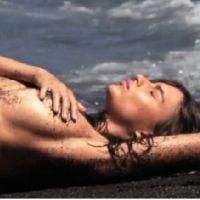 Emily Ratajkowski topless : un shooting à moitié nue pour GQ