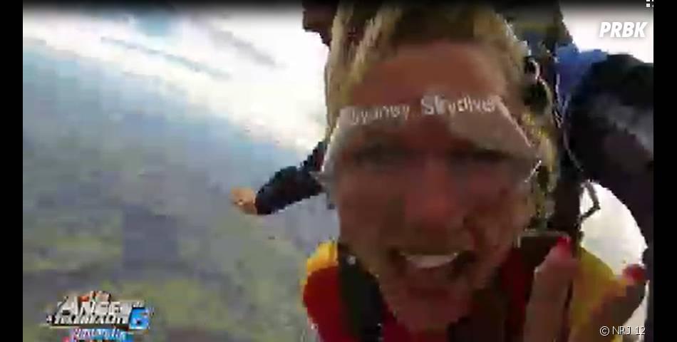 Les Anges 6 : Amélie saute en parachute