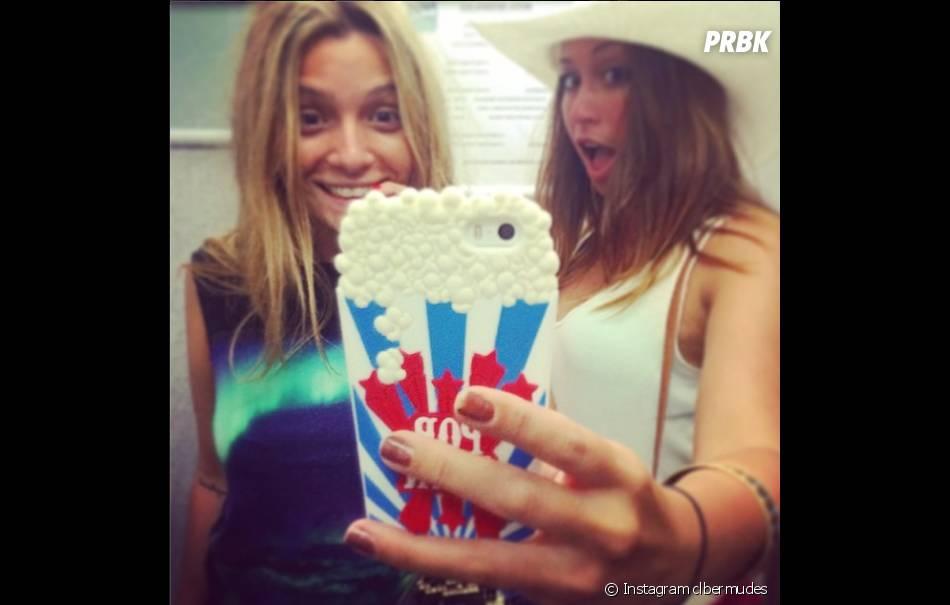 Secret Story 8 : Clara Bermudes et Emilie en vacances aux Iles Canaries