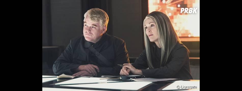 Hunger Games 3 : Julianne Moore et Philip Seymour Hoffman sur une photo