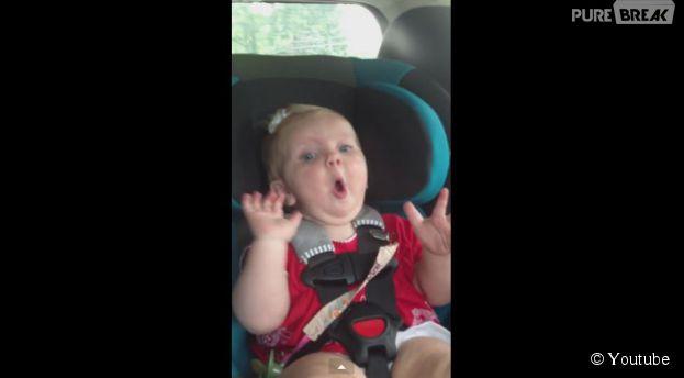 Un bébé en larmes retrouve le sourire avec la chanson Dark Horse de Katy Perry
