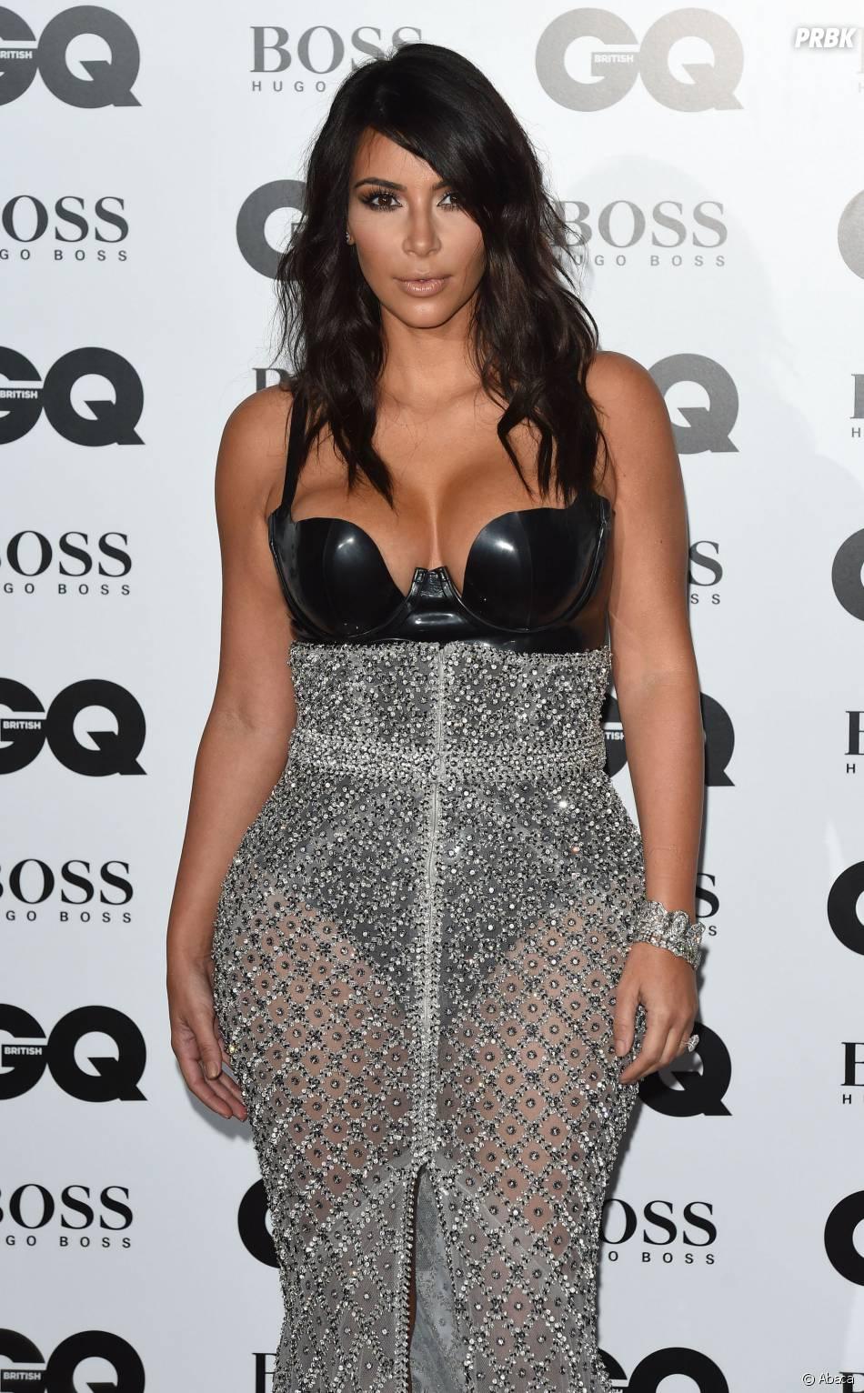 Kim Kardashian très sexy et décolletée aux GQ Men of the Year Awards 2014