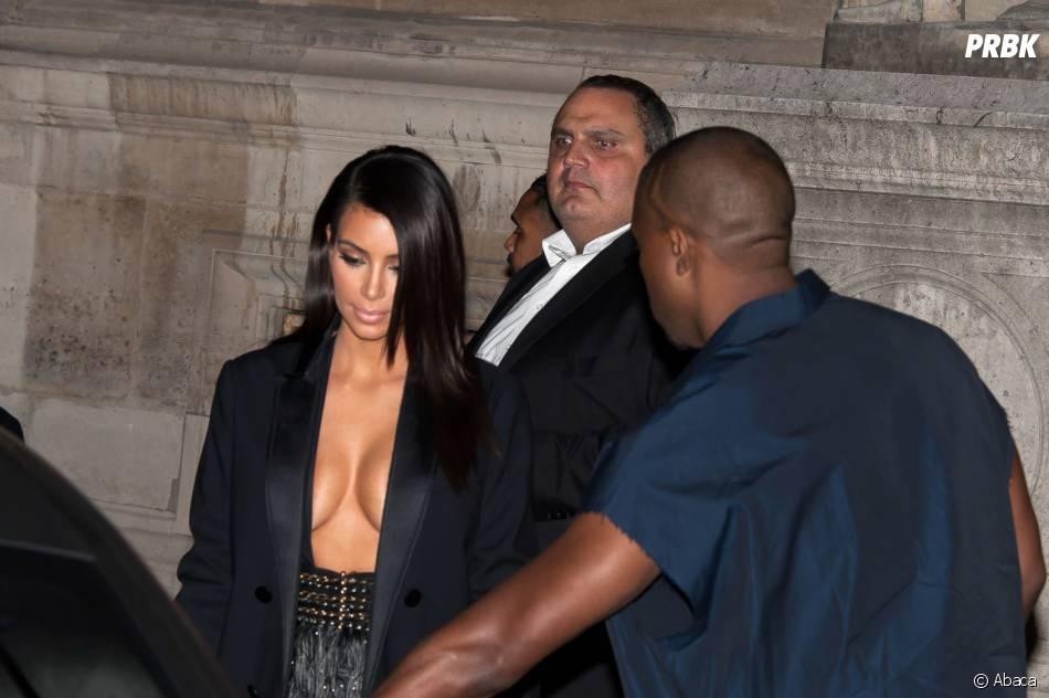 Kim Kardashian : seins dehors à la Fashion Week de Paris, le 25 septembre 2014