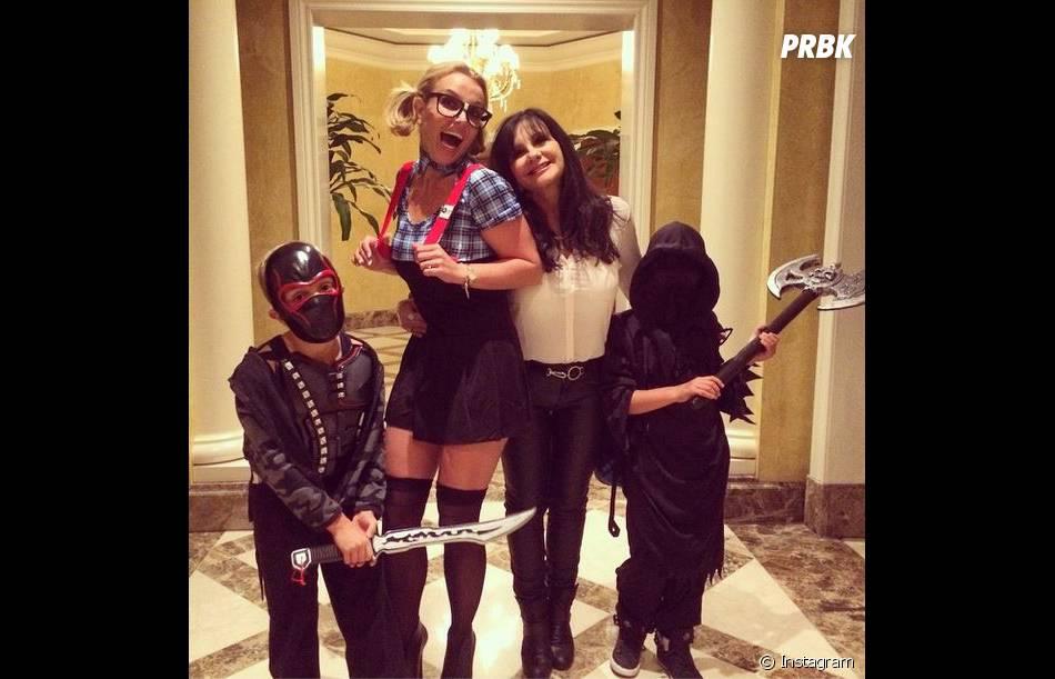 Britney Spears en écolière sexy pour Halloween 2014