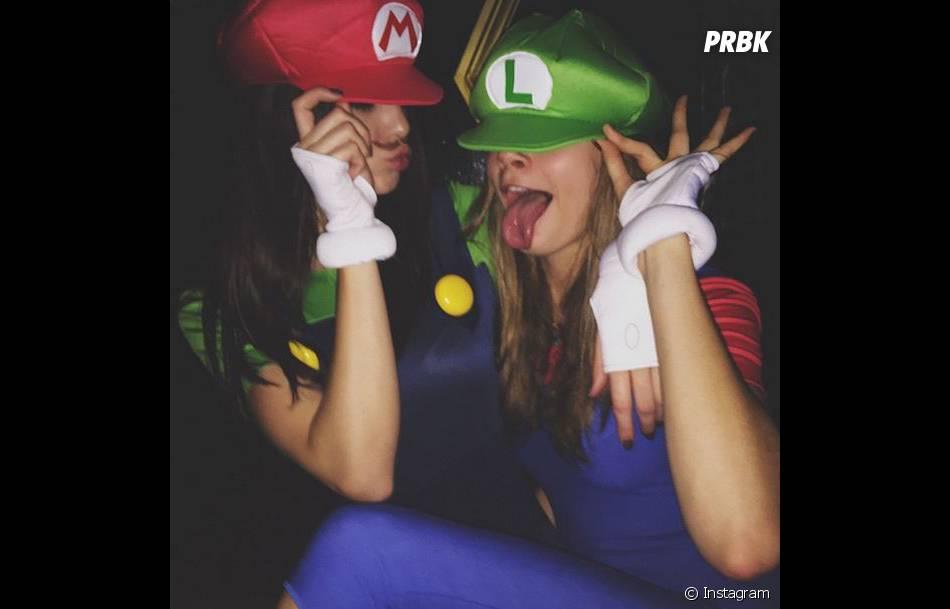 Kendall Jenner et Cara Delevigne en Mario et Luigi à Halloween 2014