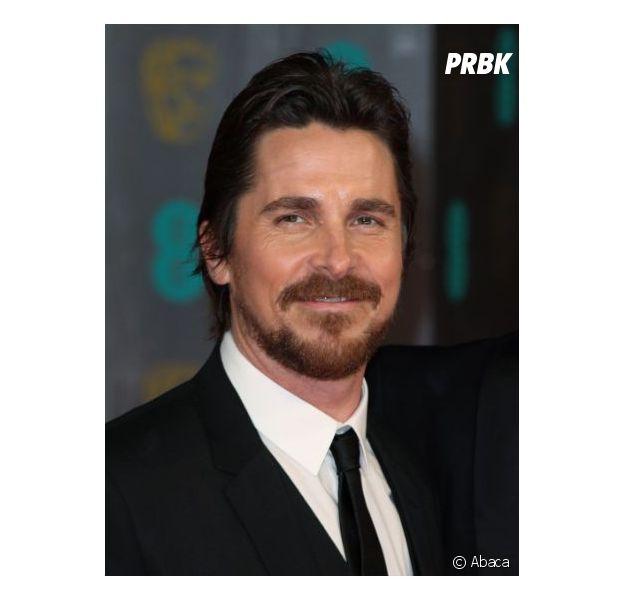 Christian Bale abandonne le biopic sur Steve Jobs écrit par Aaron Sorkin