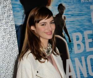 Louise Bourgoin sur le tapis rouge de l'avant-première du film Un beau dimanche, le 3 février 2014 à Paris