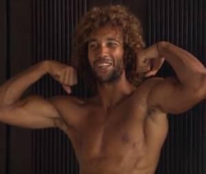 Koh Lanta 2014 : Laurent fier de ses muscles