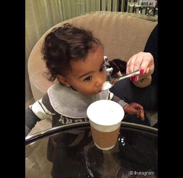 Kim Kardashian, gaga de sa fille North West
