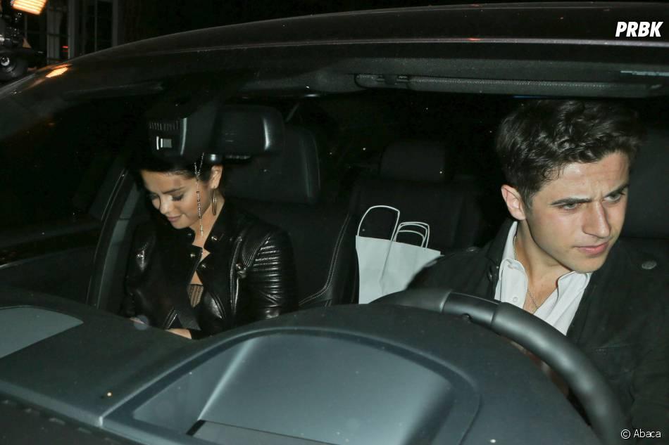 Selena Gomez a été aperçue en compagnie de David Henrie (Les Sorciers de Waverly Place), à Los Angeles, le 15 novembre 2014