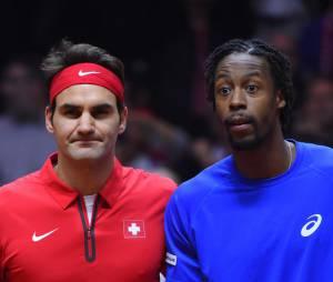 Gaël Monfils et Roger Federer pendant la finale de Coupe Davis 2014