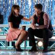 Glee saison 6, épisode 1 : Rachel (Lea Michele) et Will (Matthew Morrison) sur une photo