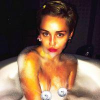 Miley Cyrus complètement nue pour V Magazine : les photos choc