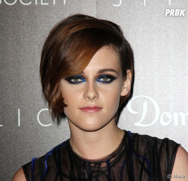 Kristen Stewart parle de Twilight en interview pour Seth Meyers