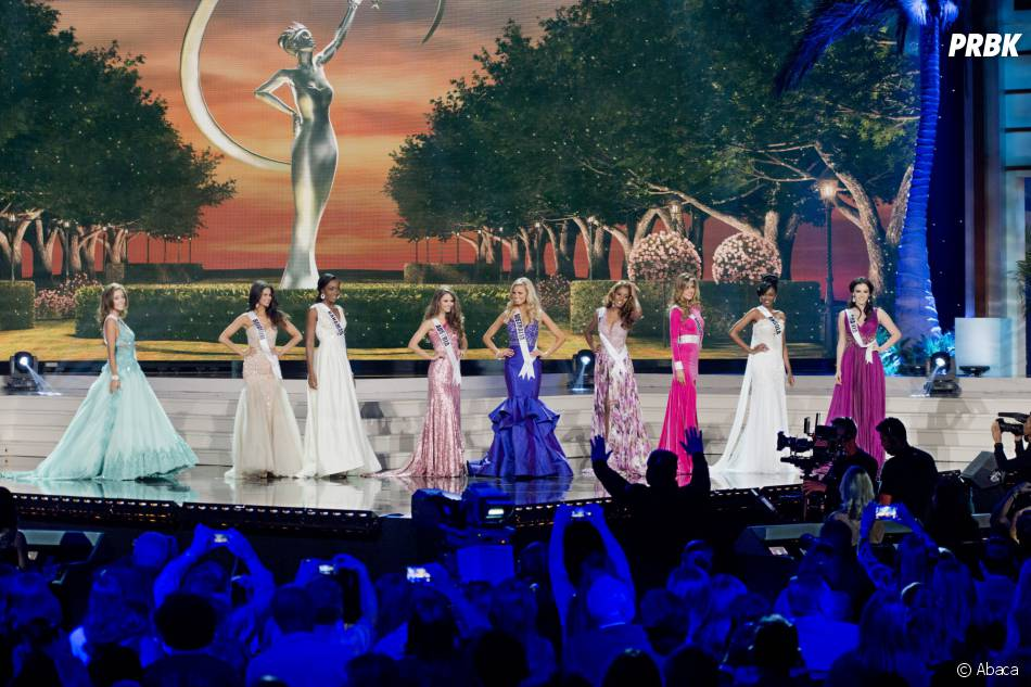 Miss Univers 2015 : les concurrentes défilent