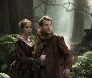 Into the Woods : Emily Blunt et James Corden sur une photo du film