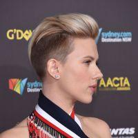 Scarlett Johansson se rase le crâne : une coupe de cheveux à la Miley Cyrus