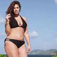 Ashley Graham première mannequin ronde en bikini de Sports Illustrated