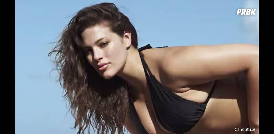 Ashley Graham sexy dans la vidéo teaser de son shooting pour le numéro spécial bikini du magazine Sports illustrated