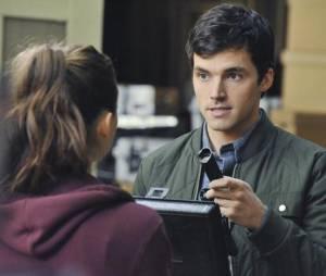 Pretty Little Liars saison 5 : Ezra peut-il être A ?