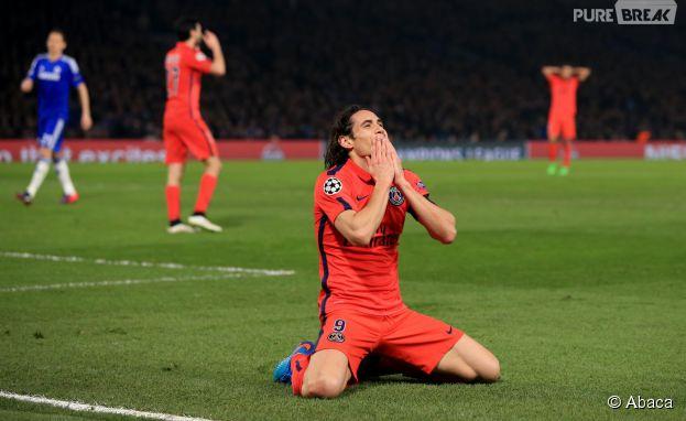 Edinson Cavani célèbre la qualification du PSG pour les quarts de finale de Ligue des Champions, le 11 mars 2015