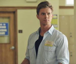 Drew Van Acker dans Pretty Little Liars