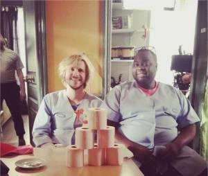 Jean-Baptiste Shelmerdine et Issa Doumbia sur le tournage de Nos chers voisins