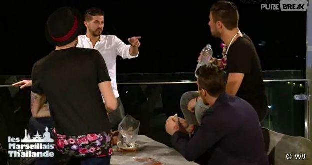 Les Marseillais en Thaïlande : Antonin remonté contre les garçons après le bisou de Kevin et Norma, lors de l'épisode 12 diffusé le 16 mars 2015, sur W9