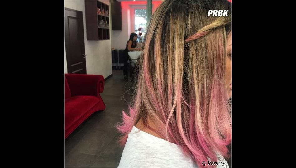 Anaïs Camizuli : sa coloration rose dévoilée sur Instagram le 8 avril 2015