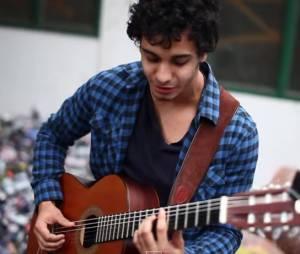 Elyes Gabel, un acteur chanteur de talent